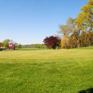 Blue Hill GC: Putting green