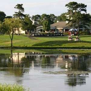Swan Lake GC: Clubhouse