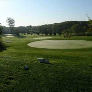 Sandy Pond Par 3 GC: #8