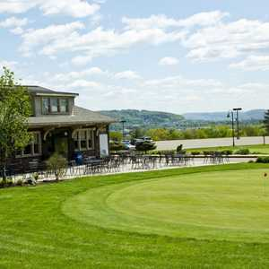 Traditions at the Glen: Clubhouse